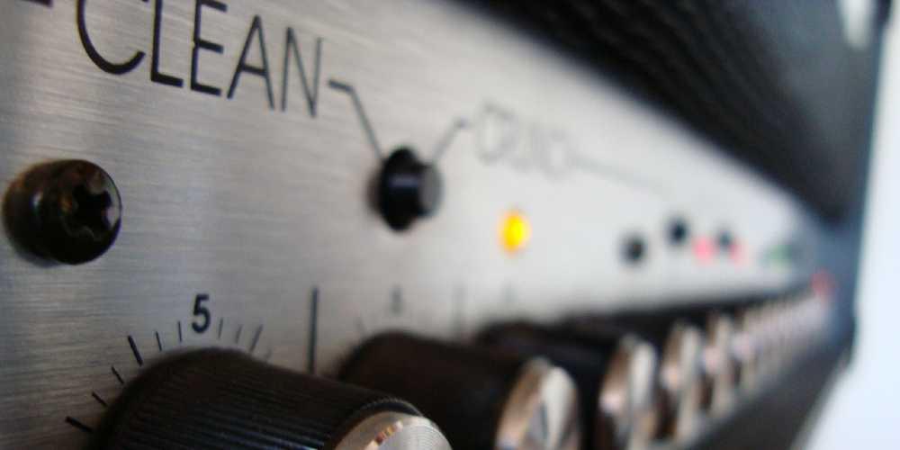 guitar amp radio signal