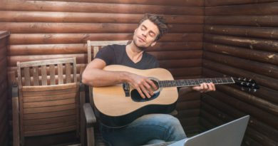 Easy To Play Acoustic Guitar