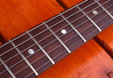 How to Clean Guitar Strings?