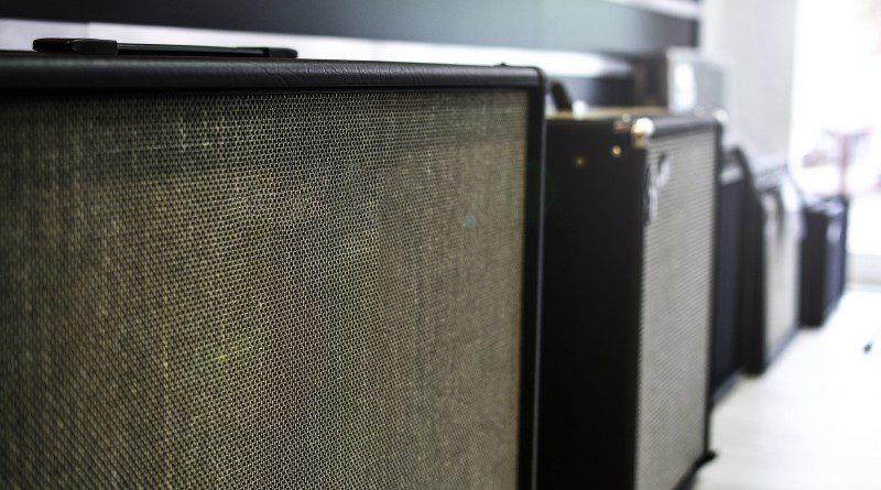 Can I Play Bass Through A Guitar Amp?