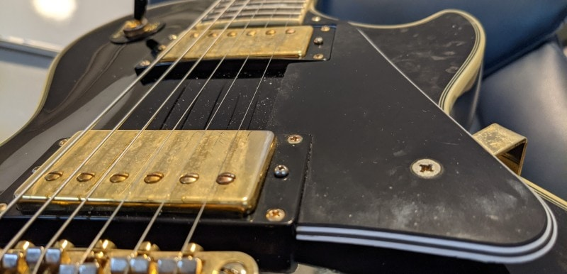 How To Spot A Fake Epiphone Les Paul - Pickguard Mounting Screw