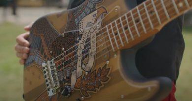Fender Eagle Guitar